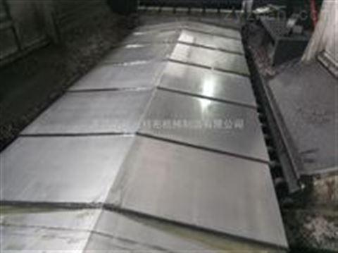 伸缩钢板防护罩