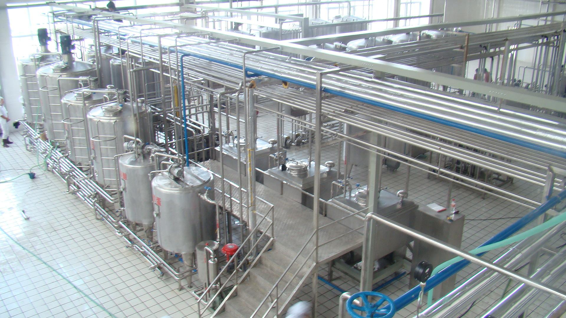 牛奶生产车间