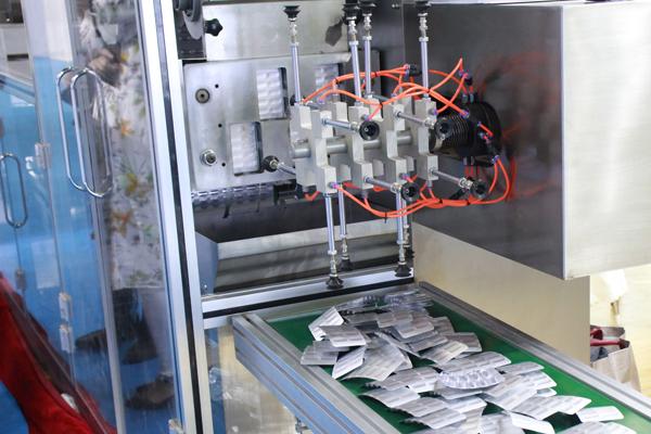 2021年我国药机市场规模逼近4百亿,药品包装机械占据半壁江山